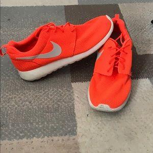Men's Roshe Runs Nike size 10